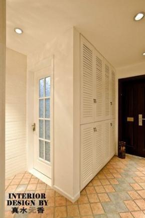 后现代欧式装修风格:玄关柜子的设计